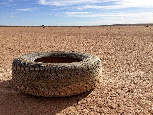 pneumatika na poušti