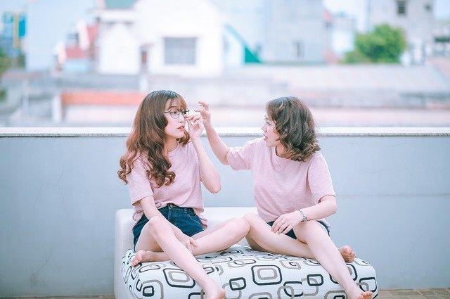 asijské kamarádky