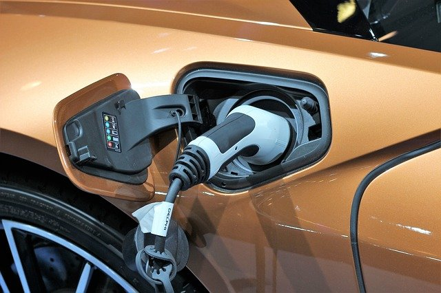 nabíjení baterie elektromobilu
